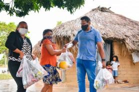Alimentação escolar: Prefeitura entrega mais de 1.400 kits de hortifrútis e proteínas para alunos das escolas rurais e indígenas