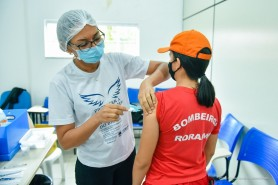 Contra o Corona vírus: Prefeitura inicia vacinação de profissionais da segurança pública e Forças Armadas